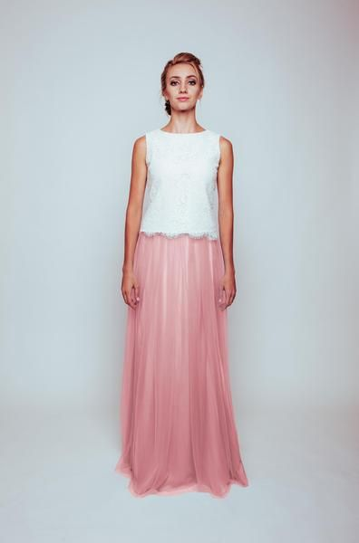 Maya Tulle Skirt and Lace top is perfect for Bridesmaids or for any occasion! All items aretailored to order and come with afull length tulle skirt, lined with silk and corded lace top.    Bridesmaid dress | Pale pink wedding | Pink wedding | Pink bridesmaid dress | Dusty pink wedding | Dusty pink bridesmaid dress | Pale pink bridesmaid dress