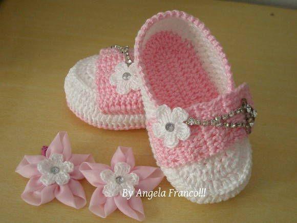 Sapatilha Litle Doll!!!  Sapatilha em croche para bebes,feita em linha 100%…