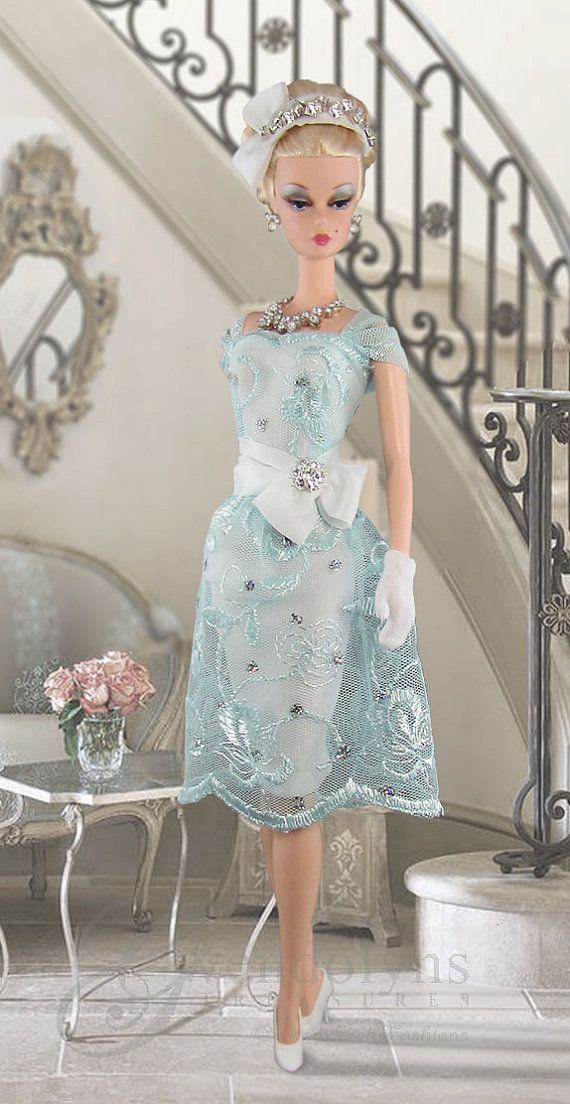 Elegant embroidered lace retro sheath and hat for Victoire and Silkstone dolls…