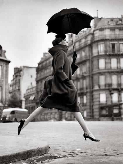 homage to munkacsi, carmen, coat by cardin, place francois-premier, paris 1957