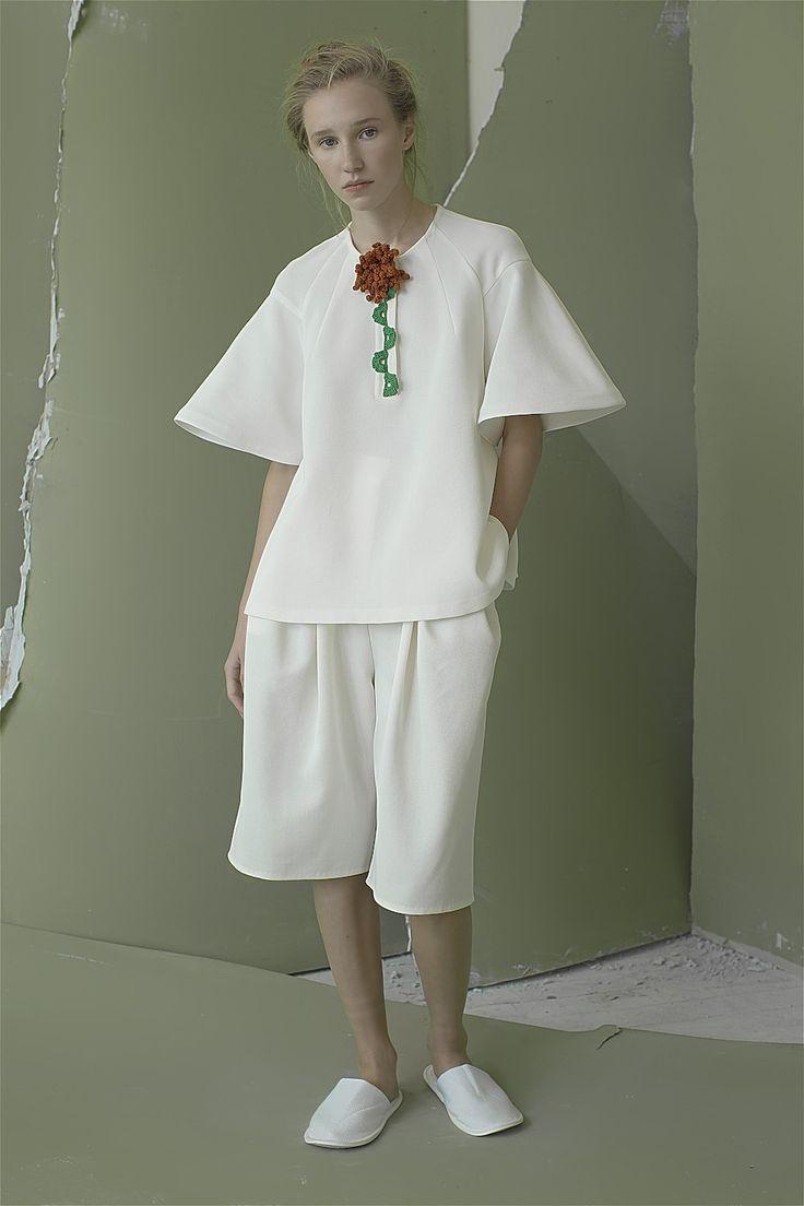 Vika Gazinskaya Spring 2016 Ready-to-Wear Collection Photos - Vogue