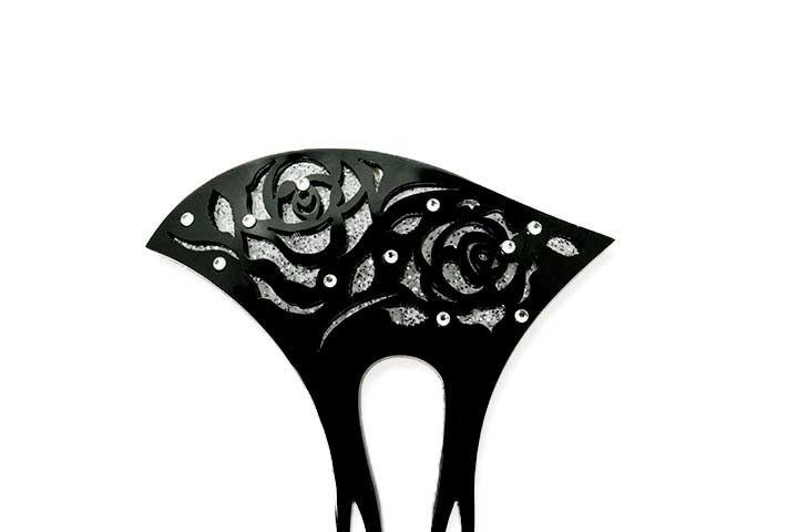 銀杏型かんざし バラモチーフ透かし[黒] 黒の地に透かしバラが彫ってある簪