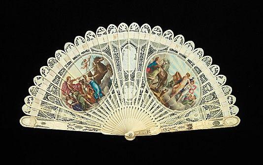 Metropolitan: abanico francés de marfil, metal y pintura de 1800-1810.