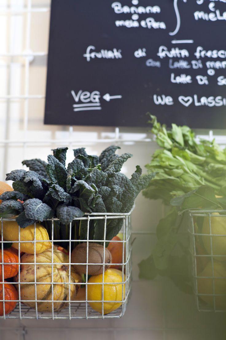 Frutta e verdura di stagione. #estratti #frullati #succhi #detox #lassi http://www.nanubagelbar.it/