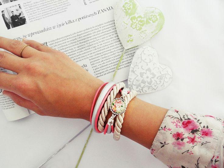 Pretty Folk - ilovehandmade - Bransoletki #bransoletka #biżuteria #bracelet #jewellery #jewelry #pink #flowers #caboshon