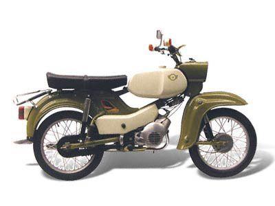 SIMSON Habicht SR4-4 Technische Angaben: Motor: M 54/11 Hubraum: 49,6 ccm Max.Leistung: 2,5 kW bei 5750 U/min Getriebe / Antrieb: 4 Gang / Kette Bremsen: Trommelbremse Simplex / Ø 125 mm Leergewicht: 78 kg zul. Gesamtgewicht: 260 kg Tankinhalt / Reserve: 9,5 Liter / 1,5 Liter Farben: olivgrün Vmax: ca. 60 km/h