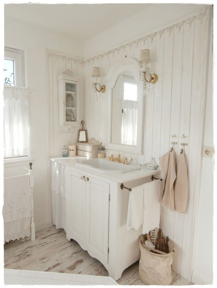 Bathroom Shabby Chic And White Salle De Bains Shabby Chic Chambre Shabby Chic Idee Salle De Bain