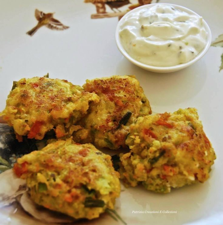 Keftedes con Salsa Labneh, le tipiche frittelle greche