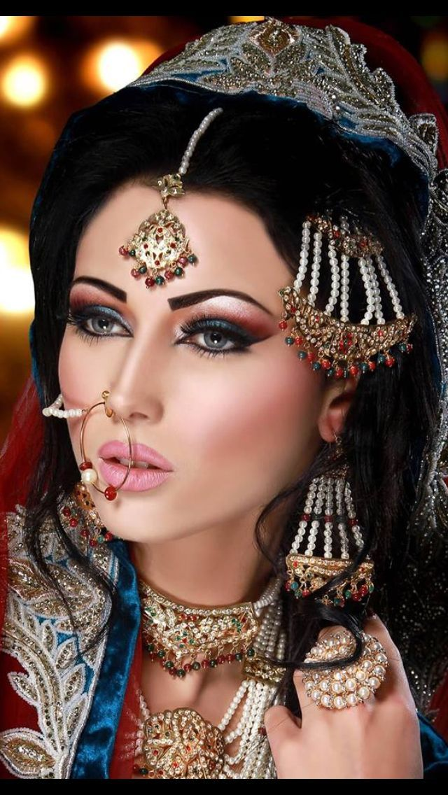 Arabic Bridal & Party Wear Makeup Tutorial Ideas Step By Step with Pictures | StylesGap.com