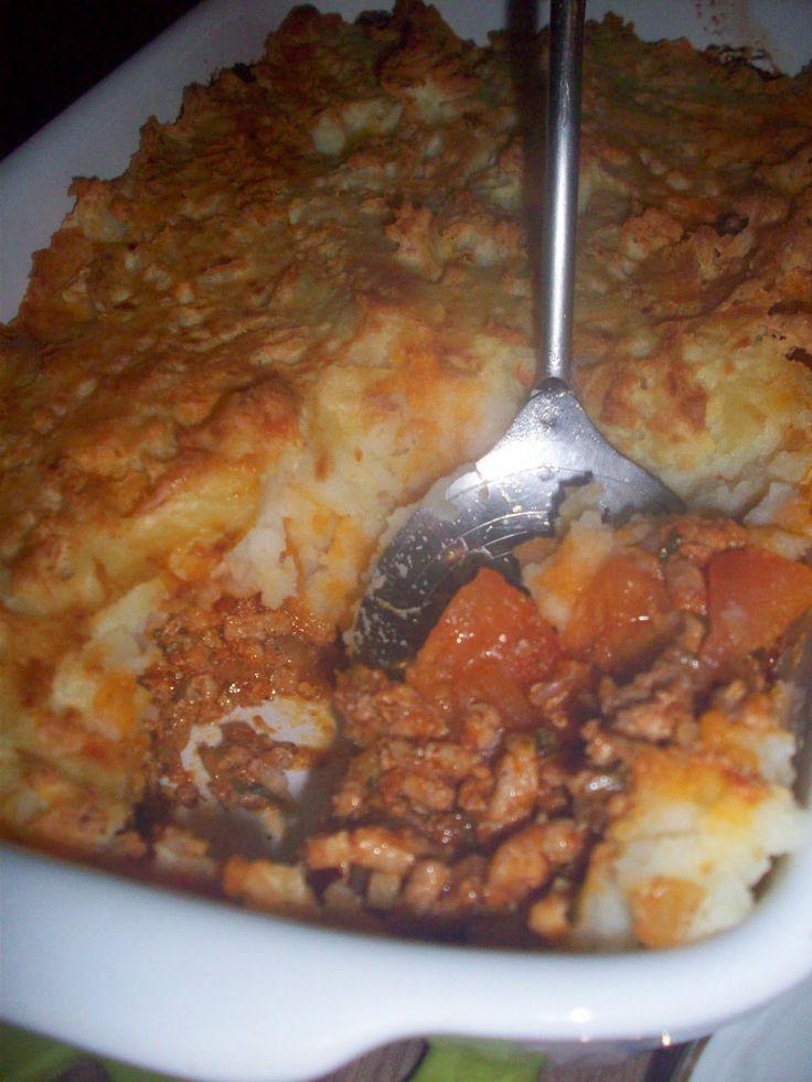 dobra gospodyni dom wesołym czyni: prymkowa zapiekanka z ziemniakami i mięsem mielonym