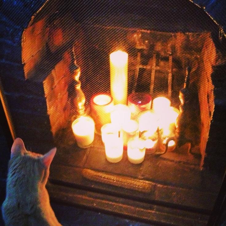candles in a fireplace always looks saaaweeeeet