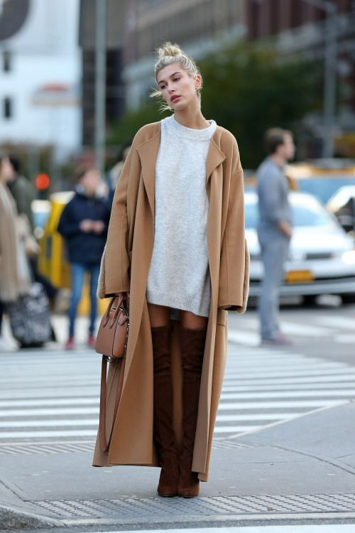 October 23, 2016 – Hailey Baldwin out and about in Soho, NYC.