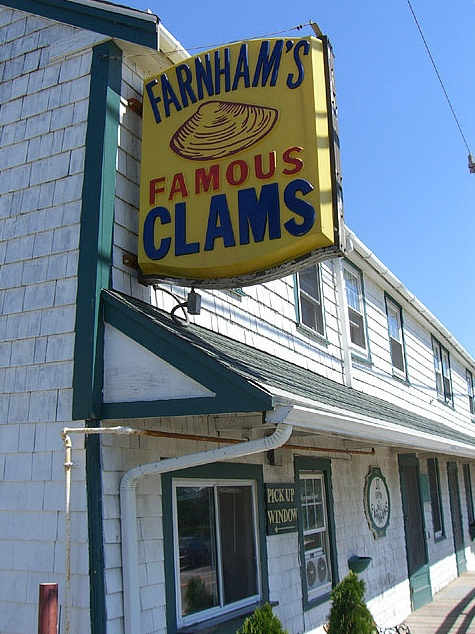 JT Farnham's Seafood & Grill in South Essex, Massachusetts