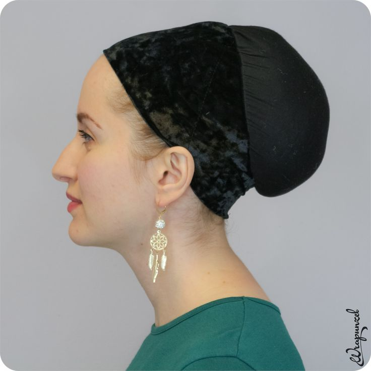 The designer of our amazing Wendy Beret Volumizer strikes again! Our newest Cloud9 Shaper, designed by Wendy, features a revolutionary cap-style velvet headband with no velcro! Five full inches of Wrapunzel's best no-slip velvet on top, which tapers to two inches at the bottom – the gripping power is absolutely amazing. It's light as air, beautifully shaped, and so secure! You'll be on Cloud 9 – hence the name! (See full description below.)