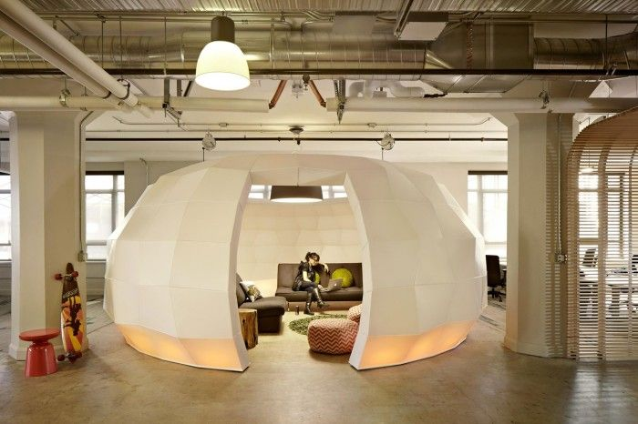 an attractive office space for San Francisco startup incubator Runway, designed by FME and Seeyond