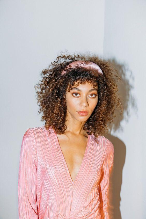 31 modelo de Tiara como usar in 2021   Curly hair styles, Everyday hairstyles, Hair cover