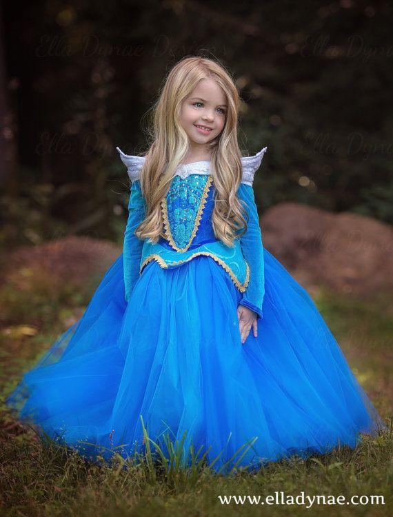 Sleeping Beauty Aurora Costume Blue Pink Dress por EllaDynae