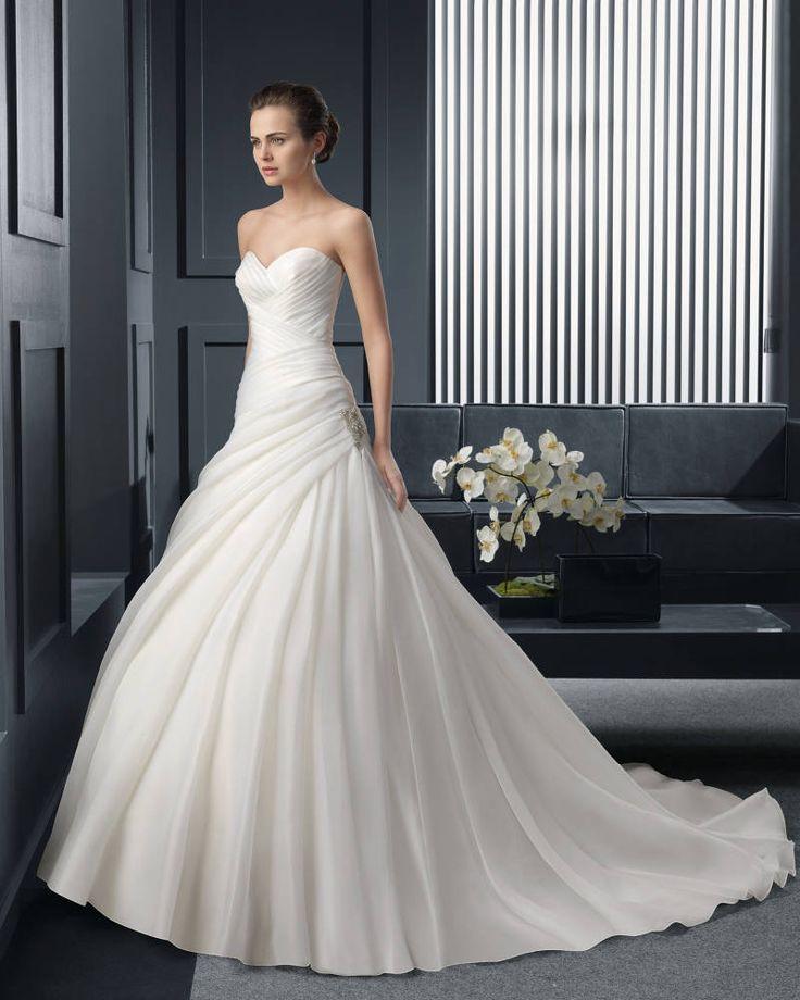 Dathybridal クラシック ハートカット アウトドア-ガーデン #ボールガウン 花嫁のドレス #ウェディングドレス Hro0163