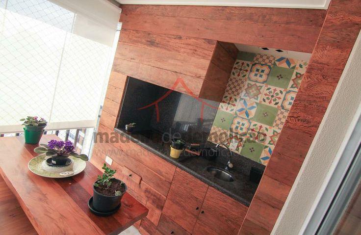 Varanda Gourmet - revestimento com peroba rosa de demolição #madeira #decoracao