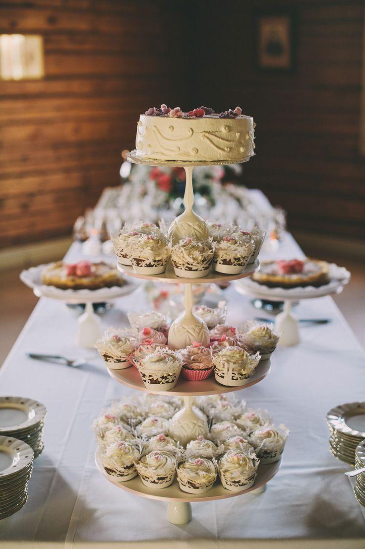 http://johannahietanen.com/wedding/haakuvaus-karkola/