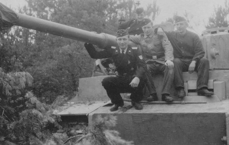 Tiger I heavy tank and crew of the German schwere Panzer Abteilung 509.