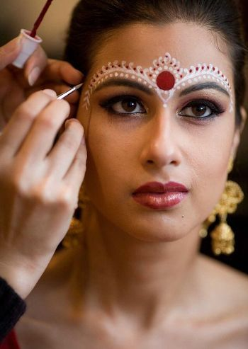 Inspiring Indian Bridal Makeup Tutorial Step By Step Guide | BestStylo.com