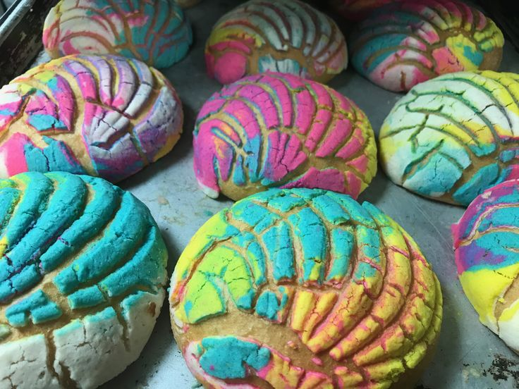RAINBOW CONCHAS from El BOLILLO BAKERY in HOUSTON, TX #elbolillobakery #elbolillo #bolillo #panaderia #pandulce #bakery #bake #concha #pasteleria #houston #tresleches #empanada #cake #local #mexican #mexicandessert #mexicanbakery #food #postres #dessert #breakfast #uniconcha #concha #cafe #coffee #desayuno #mexico #summer #rainbow #color #fiesta #party