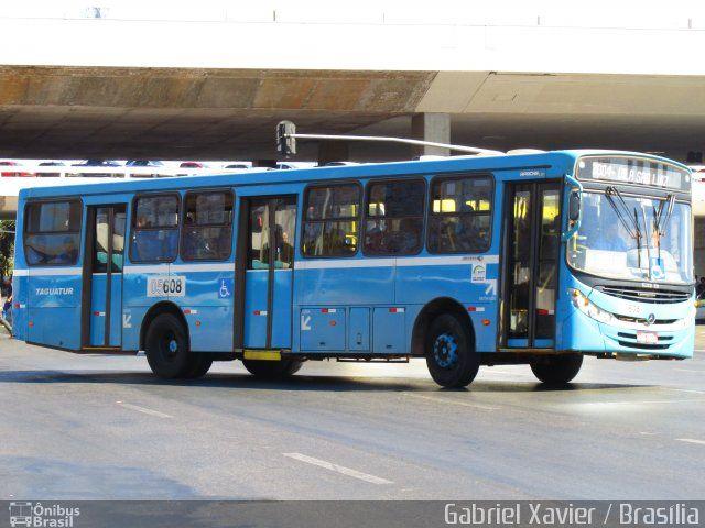 Ônibus da empresa Taguatur - Taguatinga Transporte e Turismo, carro 05608, carroceria CAIO Apache Vip II, chassi Mercedes-Benz OF-1721 BlueTec 5. Foto na cidade de Brasília-DF por Gabriel Xavier / Brasília, publicada em 21/10/2015 09:33:30.