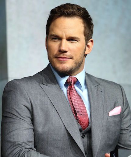 OMG, Chris Pratt teaching his two-year-old son the Pledge of Allegiance is offensively cute