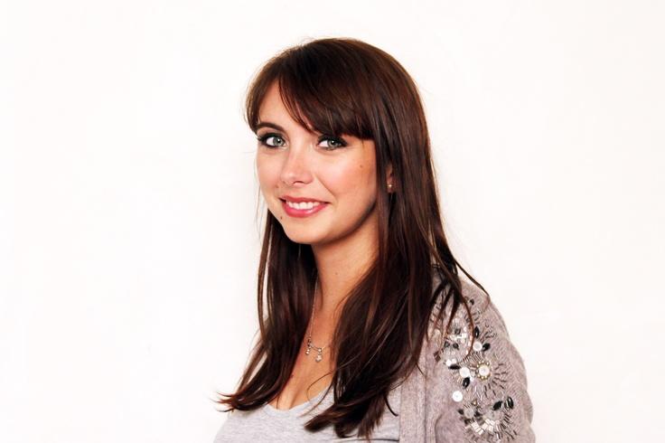 Emilie du blog www.thebrunette.fr maquillée en Une