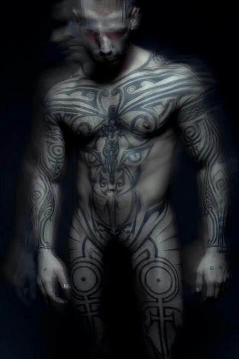 I don't like al over tattood men, but this one is beautifully done and completely symmetrical.