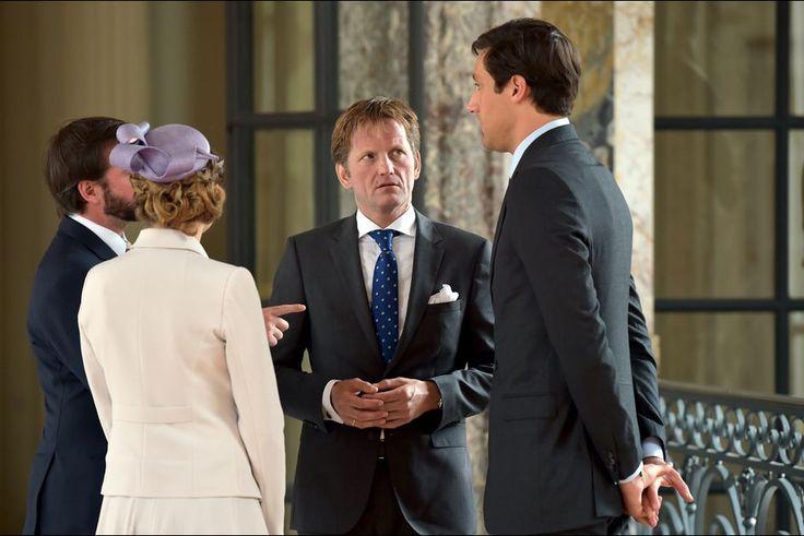 Guillaume et Stéphanie de Luxembourg avec les princes Pieter-Christiaan d'Orange-Nassau et Jean-Christophe Napoléon, le 17 juin 2015