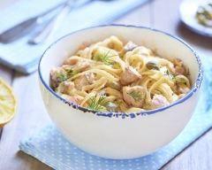 Tagliatelles au saumon au Cookeo : http://www.cuisineaz.com/recettes/tagliatelles-au-saumon-au-cookeo-79502.aspx