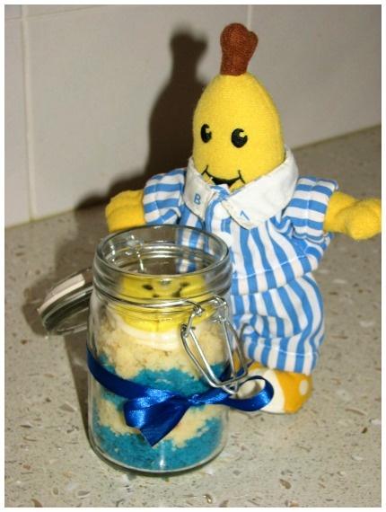 Cupcake in a jar - bananas in pyjamas style!