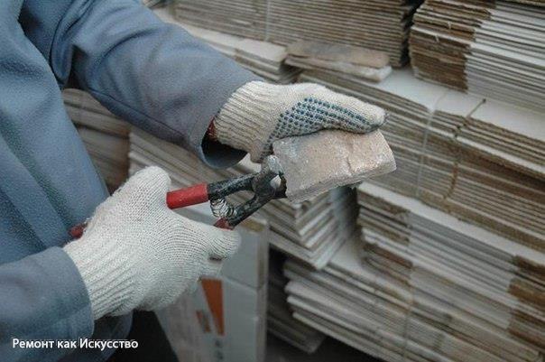 Оформление фундамента искусственным камнем    Надежная защита    Искусственный камень огнестоек, не пропускает солнечную радиацию, не впитывает влагу, легко чистится. А также подходит для любой климатической зоны. Его морозостойкость впечатляет: 200 циклов замораживания-оттаивания в полностью насыщенном водой состоянии. (Для сравнения, обычный облицовочный кирпич выдерживает 50–75.) По показателям водопоглощения, а это одно из важнейших свойств, влияющих на длительность эксплуатации изделия…