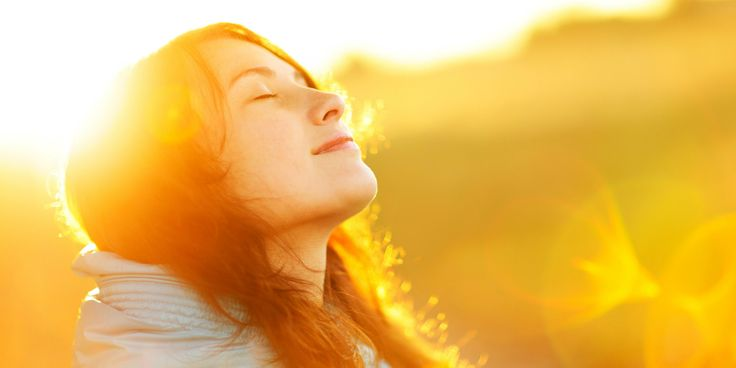 Περιβάλλετε τον εαυτό σας με ανθρώπους που έχουν θετική στάση και ενέργεια και αποφύγετε τους αρνητικούς και τα «βαμπίρ» που ρουφούν την θετική σας