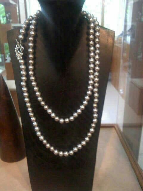 Shell necklace. Freshwater necklace. We are selling the best Southsea, akoya, tahitian, and Freshwater pearls with certificate of authenticity and affordable price. Pearlsolstore.com/r/almyruzni