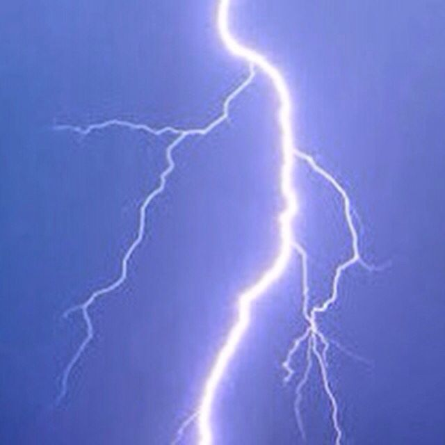 Tormenta eléctrica en #Sayulita  ☁️⚡️  #Night #Rain #Lightning #Nayarit #Beach