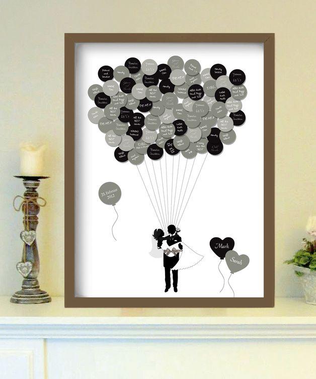 Das _up in the air-Gästebuch_ ist eine tolle Möglichkeit, um auch noch Jahre nach der Hochzeit in wunderbaren Erinnerungen an den schönsten Tag im Leben zu schwelgen.  Jeder Gast hat die...