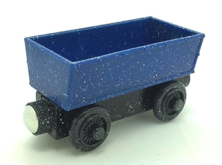Дешевое Beach дерево поезд игрушки магнитный томас и друзья синий вагон деревянный поезд дети / ребенок подарок рождественский подарок, Купить Качество Игрушечные машинки непосредственно из китайских фирмах-поставщиках:   Информация о продукте: Размер: длина/9 см ширина/3 см высота/5 см (приблизительно) Материал: Древесина бука и АБС-плас