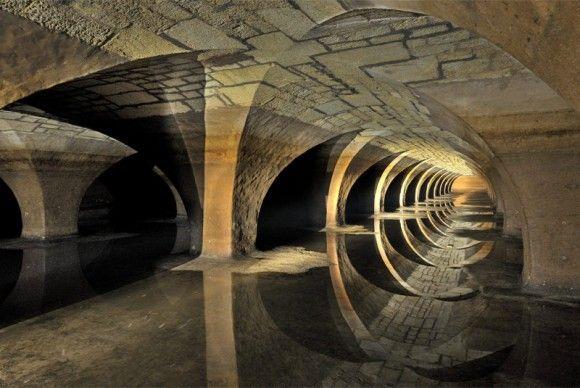 年に1度しか見られない貴重ショット! 美しすぎるヴェルサイユ宮殿の地下写真