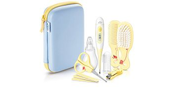 Philips AVENT SCH400 Babypflege-Set  Dieses Set beinhaltet ein digitales Thermometer, einen Nasensauger, eine Finger-Aufsatz-Zahnbürste, eine weiche Haarbürste, ein passender Mini-Kamm, drei Mini-Nagelfeilen, eine Nagelschere mit abgerundeten Spitzen und einen Nagelklipper. Das ganze zu einem Preis von €27,63   #baby #babypflege #babyzubehör #babypflegeset #wickeltischstrahler #gesundheit