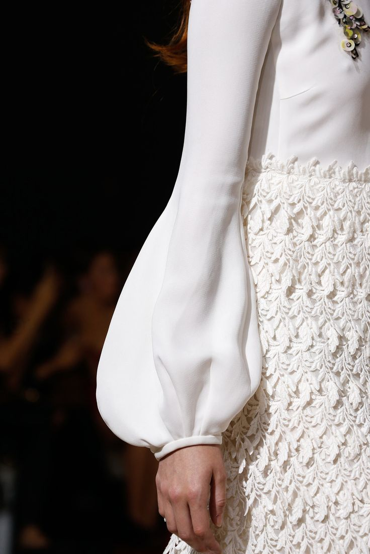 Giambattista Valli Spring 2015 Ready-to-Wear #fashion #details #runway