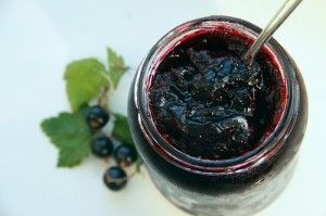 How to make an easy blackcurrant jam recipe  for beginners.  Making jam is easy.