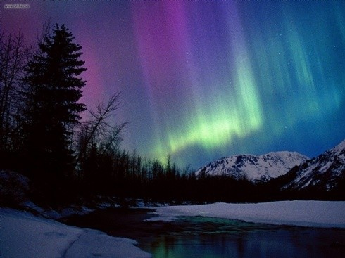 Alaska - northern lights. Can't wait to visit John and see this beauty!