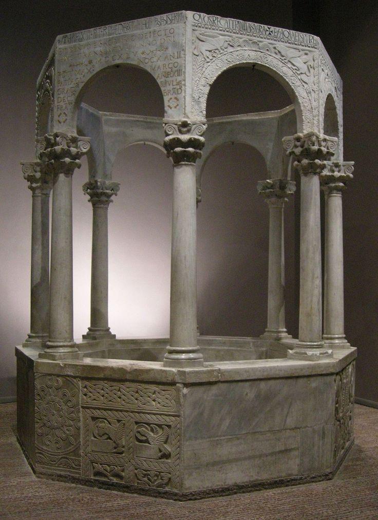 Fonte battesimale del patriarca Callisto, 730-740, 354 cm di altezza, Cividale del Friuli