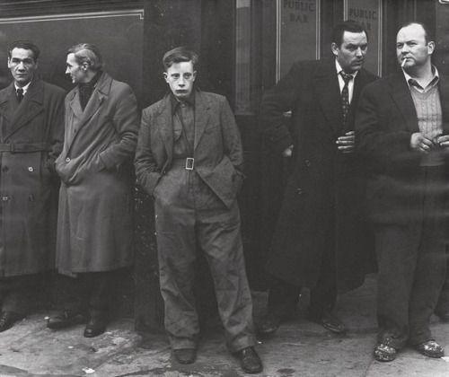 zzzze:  Philip Jones Griffiths, Outside Pentonville Prison,...