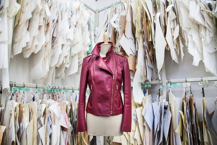My jacket is composed of 30 different pieces of the softest Napa leather. For its manufacture, a minimum of 25 working hours and 12 different steps by hand are required. It is produced entirely in Italy, including the leather.