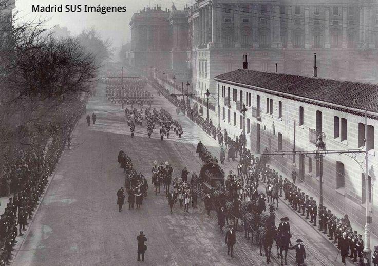 Calle Bailén año 1929 Entierro de la reina Maria Cristina de Habsburgo foto Alfonso