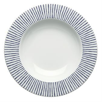 This Carisma deep plate was designed by Jonas Bohlin for Rörstrand. The clean, radial design of seemingly hand painted blue lines; create a modern expression of Scandinavian design. A plate that is simply suitable for any occasion. Great to combine with other pieces in the Carisma series.